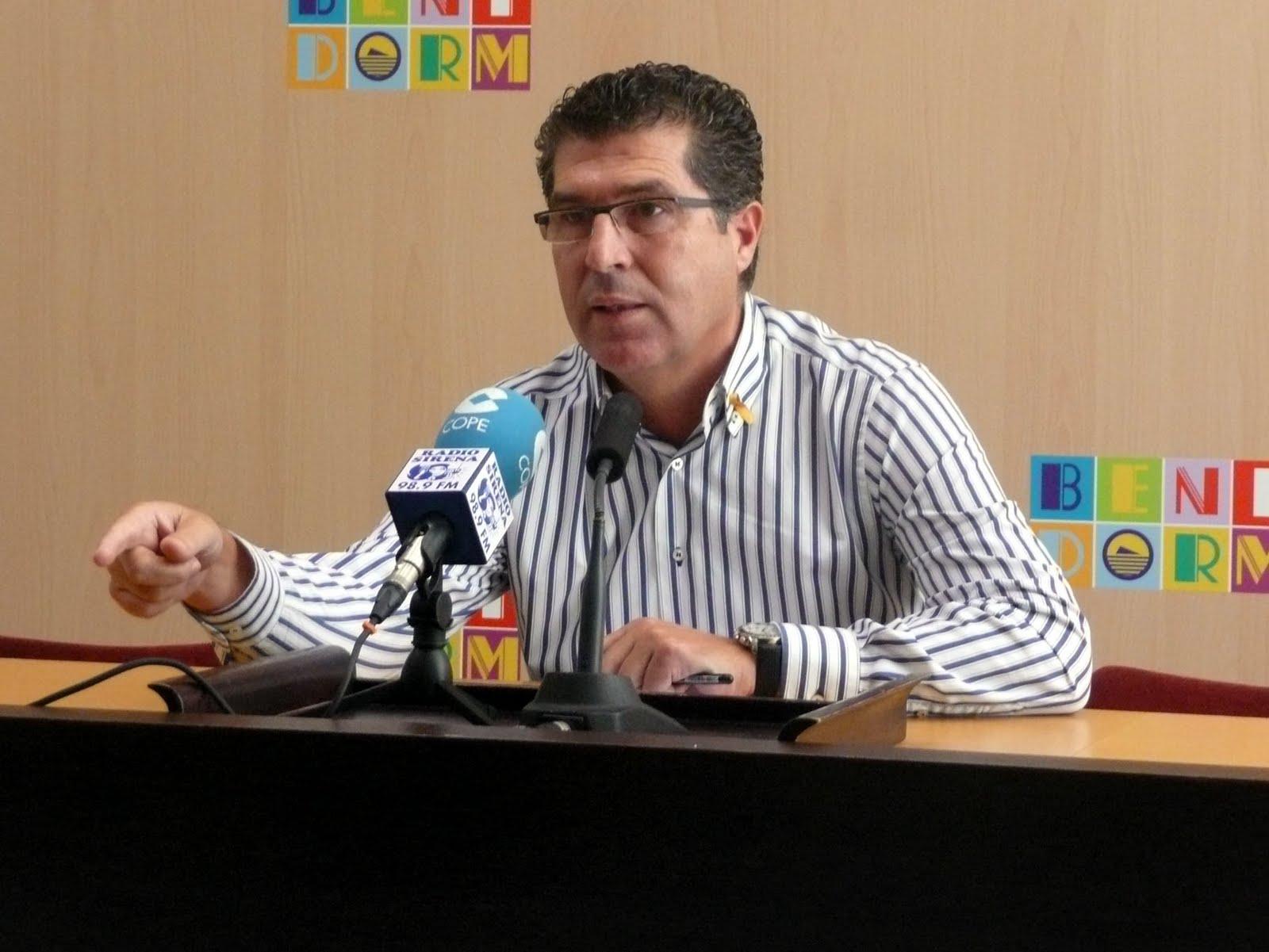 Pérez Fenoll solicita devolver la dedicación exclusiva cobrada indebidamente en Les Corts