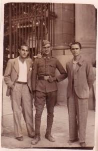 Blas García Crespo, en el centro. Soldado de Benissa