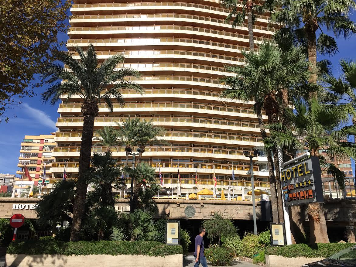 El hotel Don Pancho cierra para una reforma integral y pone a la venta arte, mobiliario y todo tipo de objetos
