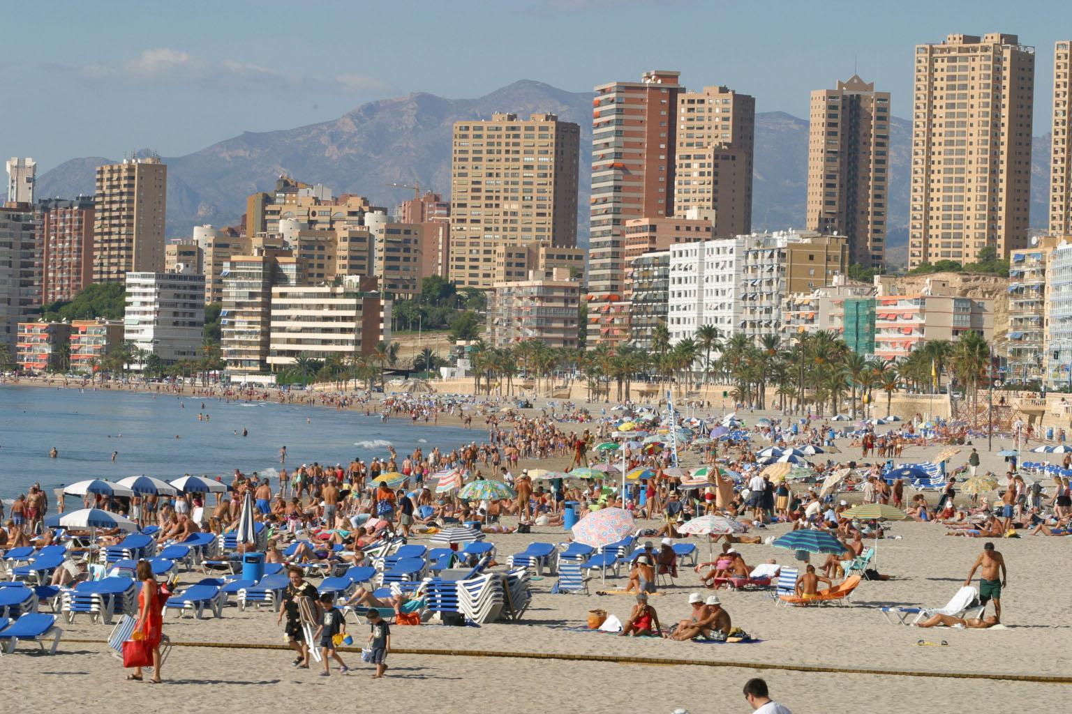Benidorm cerrará la temporada alta con el puente de octubre y más del 95% de sus plazas hoteleras ocupadas
