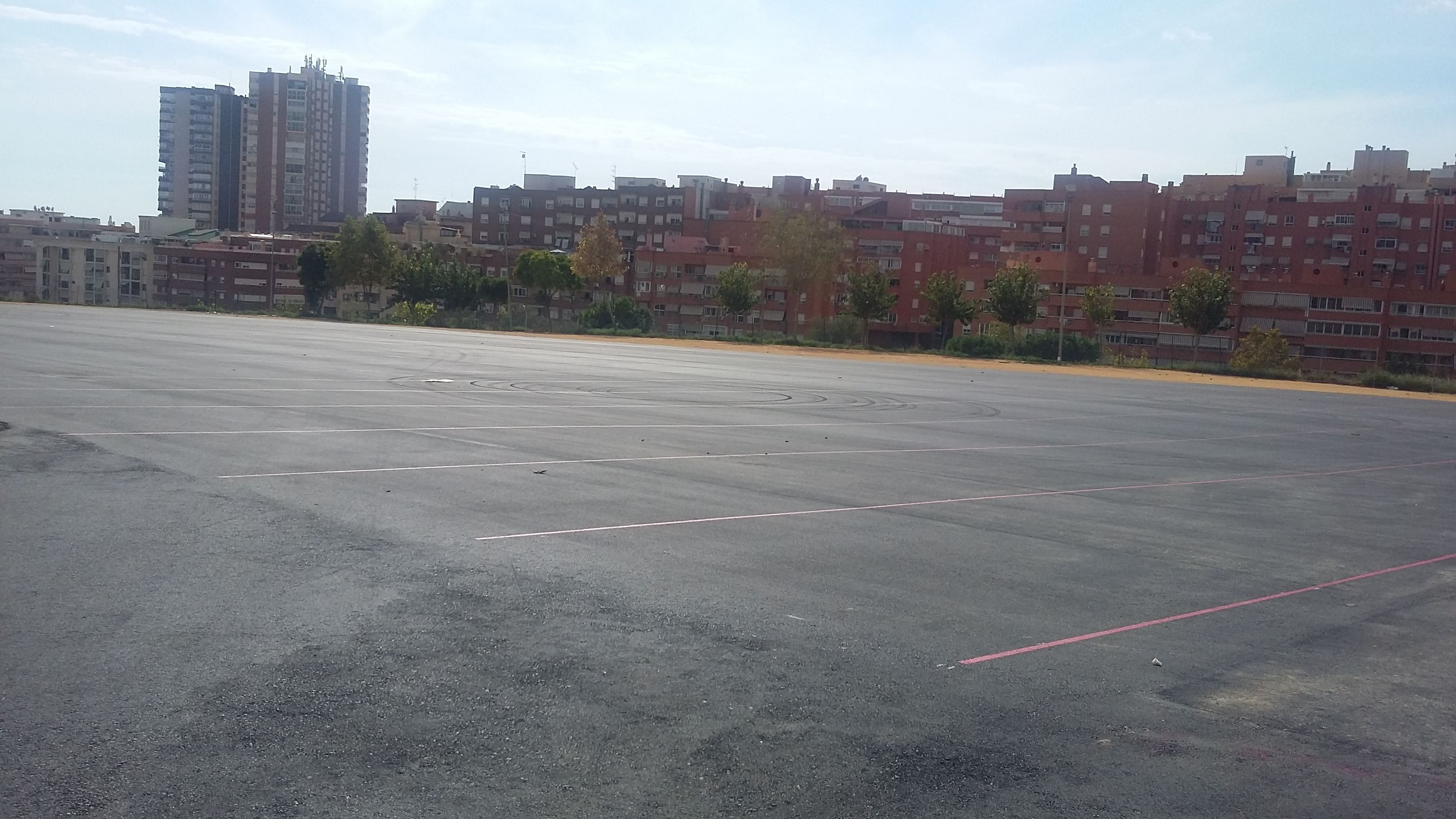 Benidorm reabre el recinto ferial tras asfaltar y adecuar los 6.500 metros cuadrados de la parcela