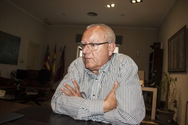 Vicent Grimalt: «No se volverá a hacer una obra en el puerto hasta que no haya un plan director»
