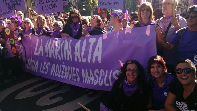 Masiva representación de la Marina Alta en la marcha contra la violencia machista en Madrid