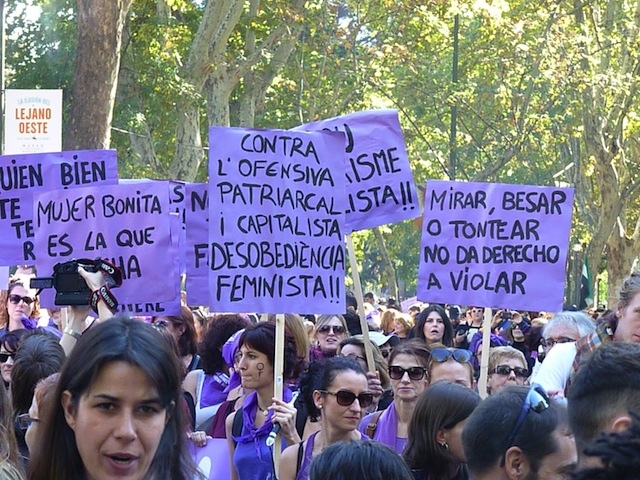 El movimiento feminista señala a Calp como el único ayuntamiento que no apoyó la marcha del 7-N en la comarca