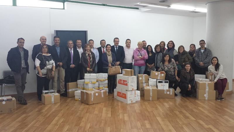 Más de 6.000 euros en material escolar para 15 centros de Benidorm