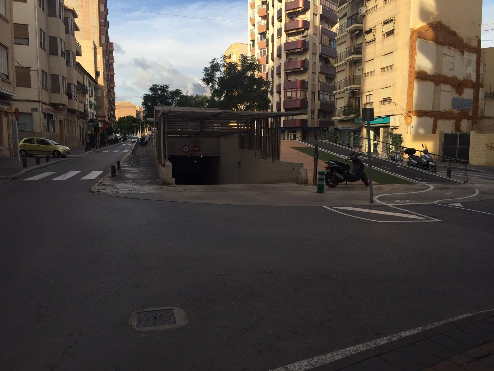"""La empresa del parking de la Creueta alega que la zona azul afecta a sus cuentas para pedir el """"reequilibrio económico"""""""