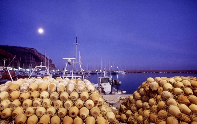 Xàbia luchará para evitar que los pescadores abandonen el puerto