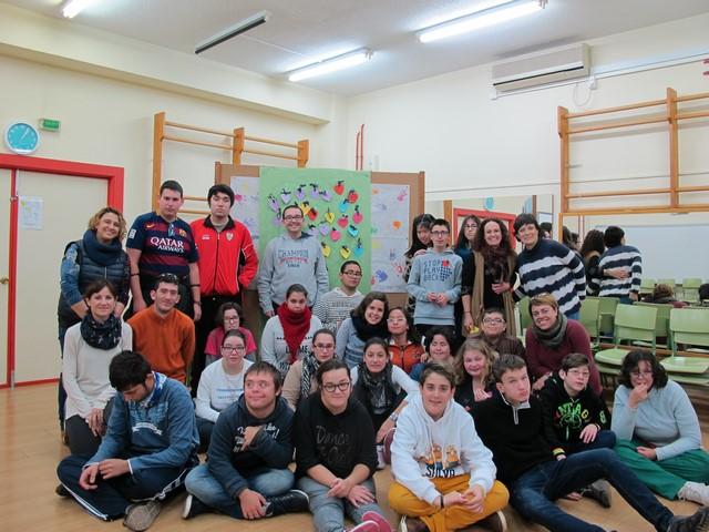 Els alumnes participants en la jornada de convivència.