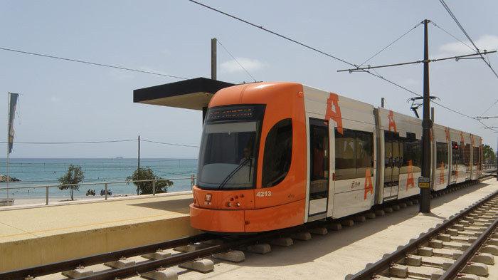 Chulvi promete «conexiones rápidas» entre Xàbia y la futura estación del Tren de la Costa en la comarca