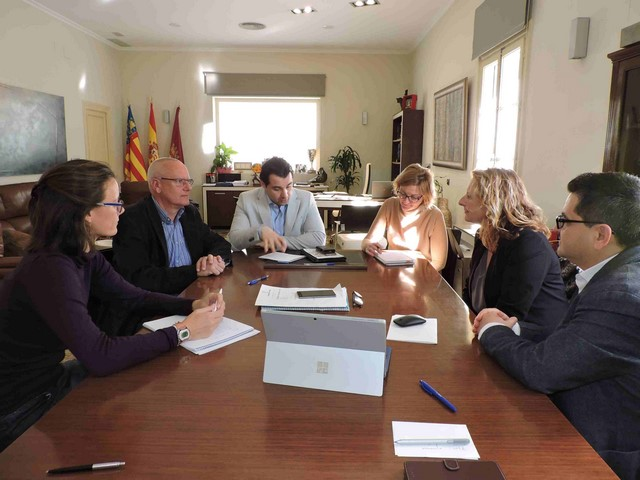 Un momento de la reunión en el Ayuntamiento de Dénia.