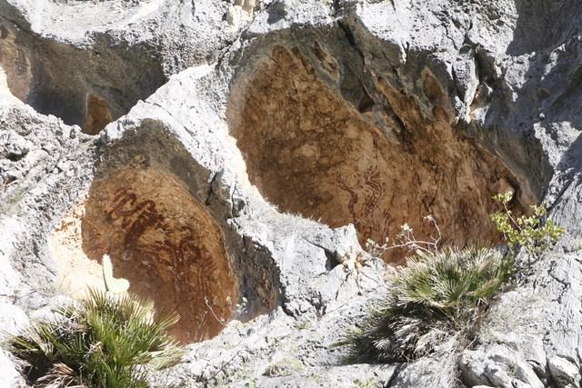 Cien mil euros para poner en valor las pinturas rupestres de la Vall de Gallinera y Castell de Castells