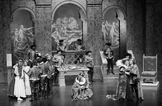 Más de un millar de personas asisten al estreno nacional de la ópera Rigoletto en Teulada