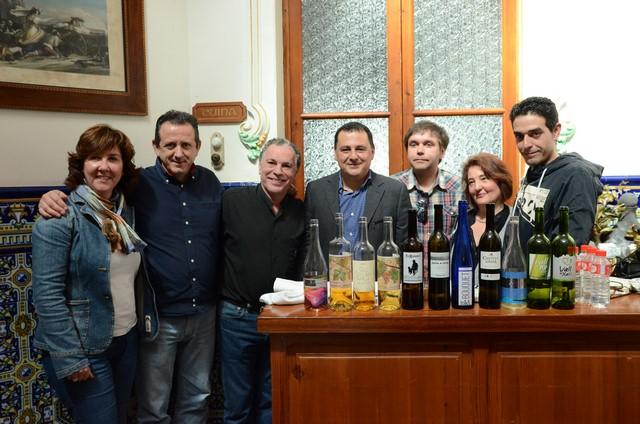 La cata de la Vall de Pop exalta las propiedades de los vinos blancos moscatel de la comarca
