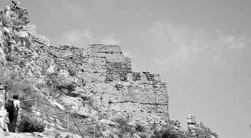 25 castillos islámicos de la Marina Alta llegan a internet en una exposición virtual