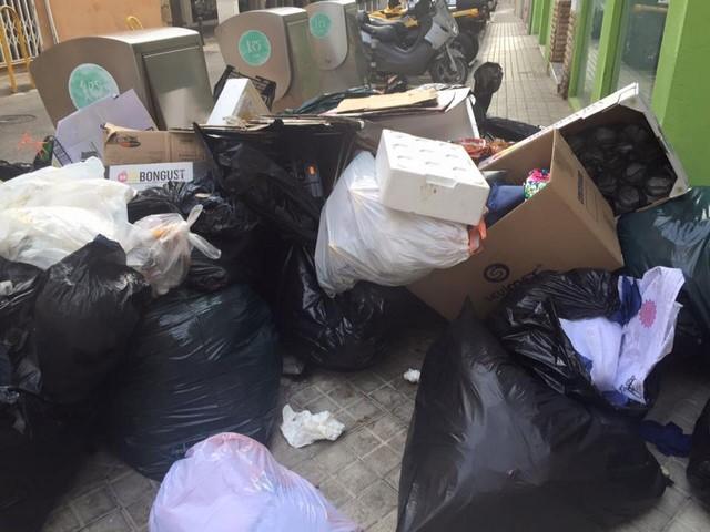 Dénia también recogerá por el día la basura en Baix la Mar, El Raset y el Loreto durante el verano