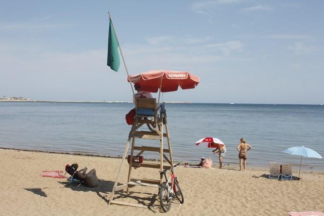 Dénia incrementa el presupuesto para la vigilancia de playas para reforzarla en les Rotes y les Deveses