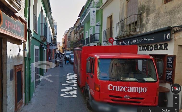 Dénia prohíbe el acceso de todos los camiones al Loreto y hace peatonal la calle las 24 horas del día