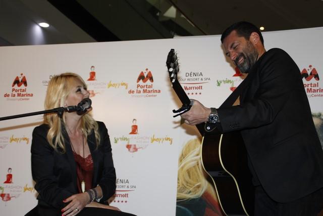Un momento del concierto de Carolina Cerecuela con Jaime Anglada.