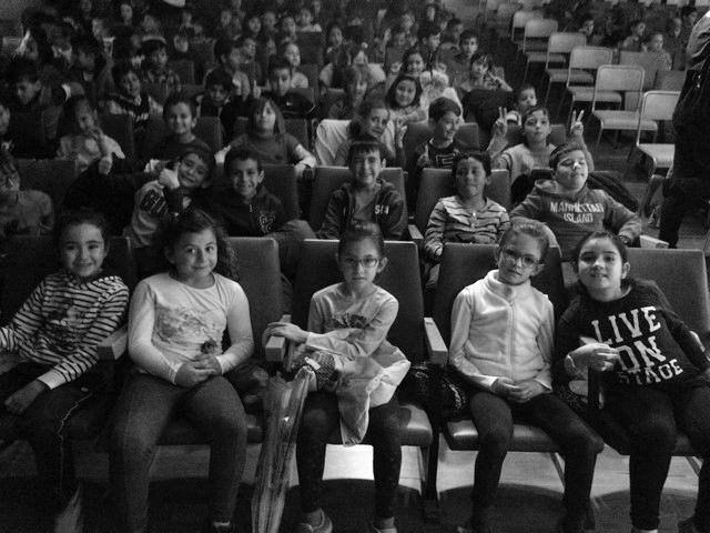 L'alumnat del CEIP Montgó de Dénia practica l'anglés amb el teatre