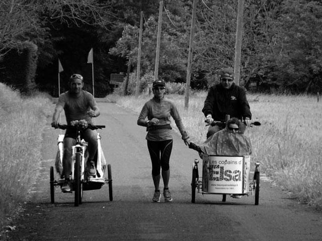 1.460 km corriendo sin parar día y noche para ayudar a Condenados al Bordillo