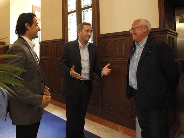 Eduardo Dolón, César Sánchez y Vicent Grimalt, en el palacio provincial donde se han reunido este lunes.
