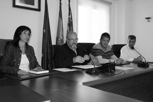 """El alcalde de Benitatxell acusa a la oposición de buscar """"rédito político"""" con la regularización catastral"""