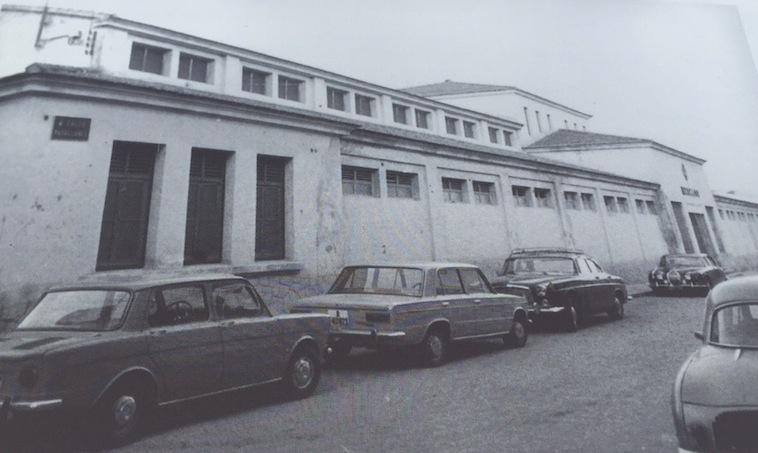 La fachada del Mercat de Dénia recupera su antiguo rostro