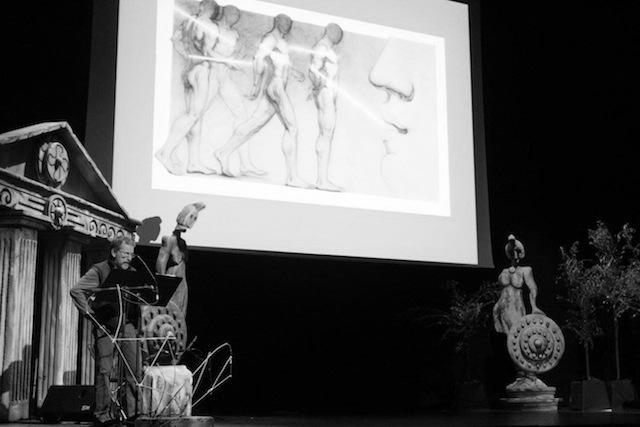 Castejón y alumnos del IES Maria Ibars investigan el amor a través de mitos y poemas