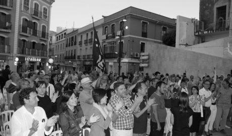Cuatrocientas personas claman en Dénia por que A la Valenciana supere al PP en la Comunitat