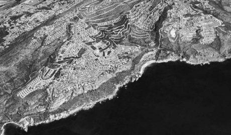 Costas accede a rebajar la franja de protección costera en Benitatxell