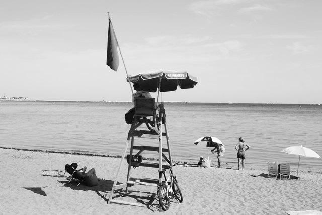 Condenan a la empresa de las playas en Dénia a incorporar a 30 exsocorristas de Cruz Roja o indemnizarlos con 47.000 euros