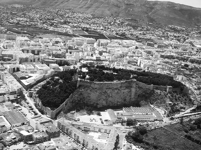 El castillo de Dénia amplía por primera vez su apertura hasta las 21 horas