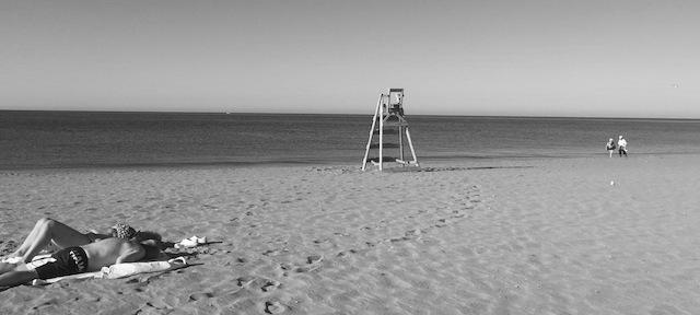 Dénia instará a la nueva empresa de las playas a que cumpla sus servicios tras un polémico debut