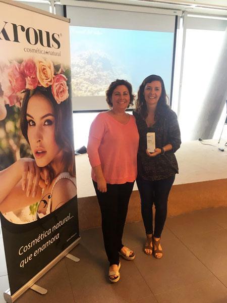 Begoña Peyró, Directora del departamento Comercial, con Alicia Costa, colaboradora de Krous