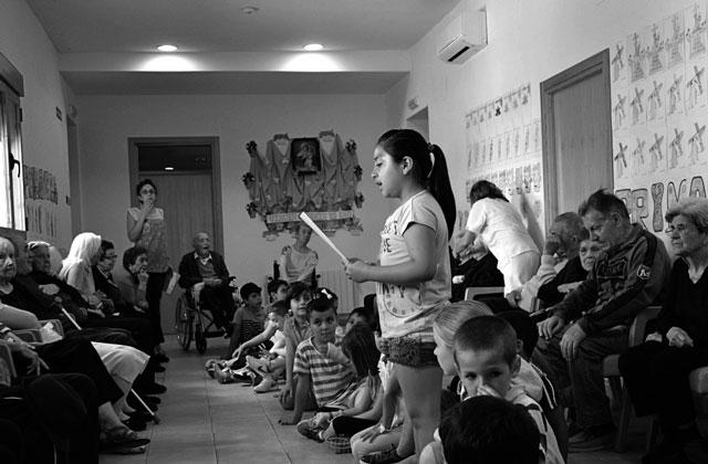 Niños y personas mayores, un proyecto intergeneracional del Colegio Vicente Tena de Xàbia