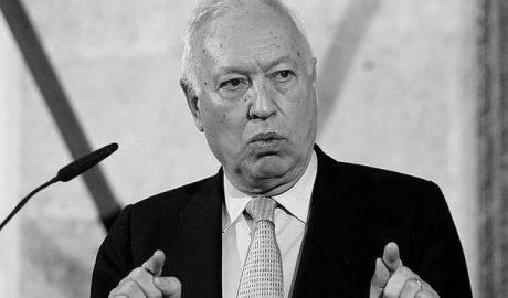 La Policía de Xàbia multa los coches de la caravana electoral de Margallo