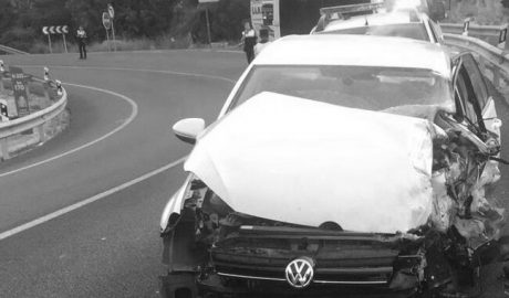 Un accidente con un camión y varios coches obliga a cortar la N-332 en Calp