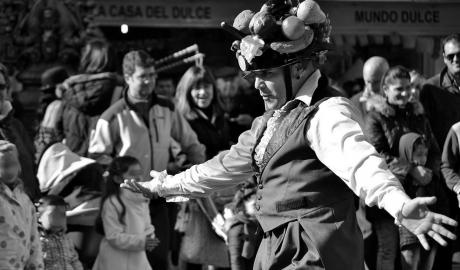 Gran acogida del circuito de teatro de calle de l'Arenal en su estreno