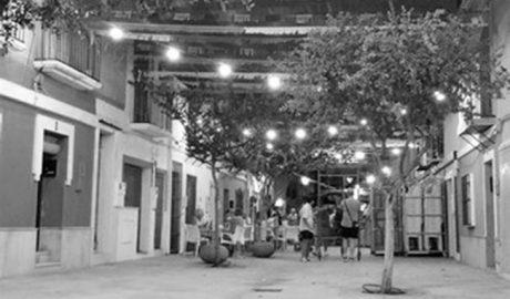 La calle Sant Pere celebra sus fiestas en Dénia