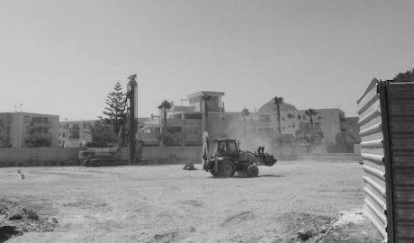 Xàbia paraliza hasta septiembre la construcción de 64 viviendas para no molestar a los vecinos