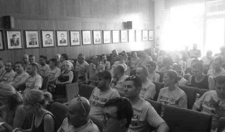 Decenas de funcionarios se unen a la Policía de Calp contra la política laboral del PP