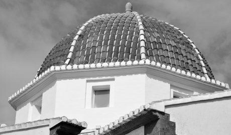 La cúpula del Calvari de Xàbia vuelve a refulgir
