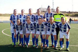 Sandra Castelló (la primera de pie a la izquierda) junto a sus compañeras de equipo. FOTO: Rafael Quintero