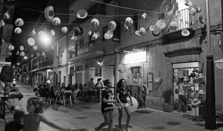 La asociación de comerciantes Xàbia Histórica estrena las 'shopping nights'