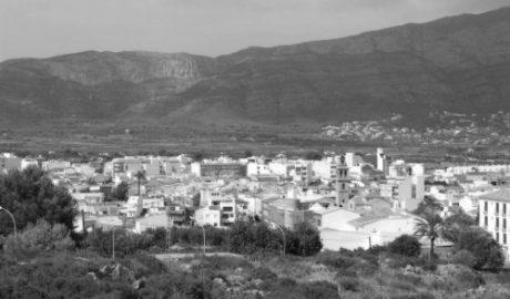 Una mujer muere en Gata al caer de la terraza cuando tendía la ropa