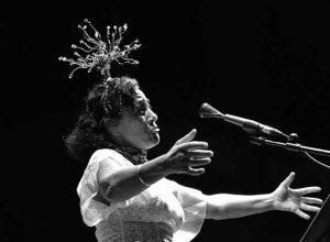 Maria João, un torbellino en el escenario pone punto final al Xàbia Jazz