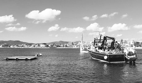 Xàbia triplica las plataformas flotantes para disparar el castillo de Loreto