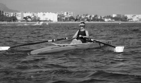 La dianense Susana Mut queda segunda en el II Torneo Carl Relf de remo de mar