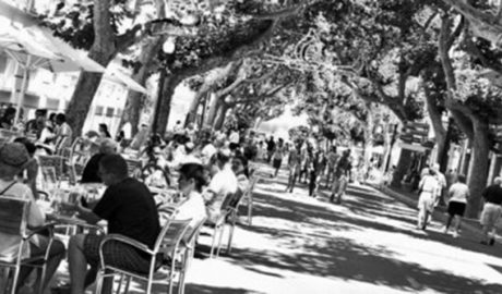 El comerç de Dénia recorre el tancament del carrer Campo des de la vesprada de divendres