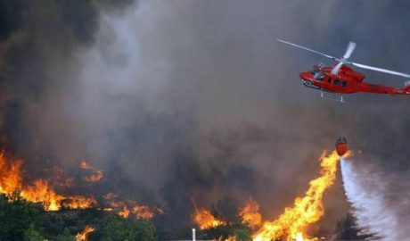 Una maniobra pionera en España permitió a los helicópteros intensificar su ataque al fuego en el incendio de Xàbia y Benitatxell